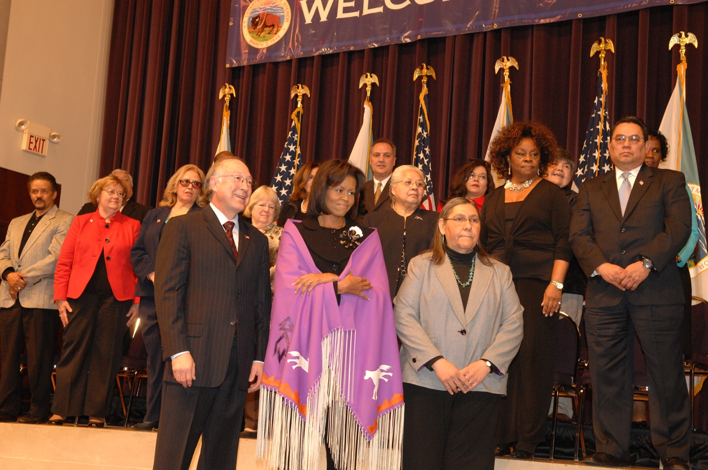 Secretary salazar interior employees welcome first lady for Intranet interior