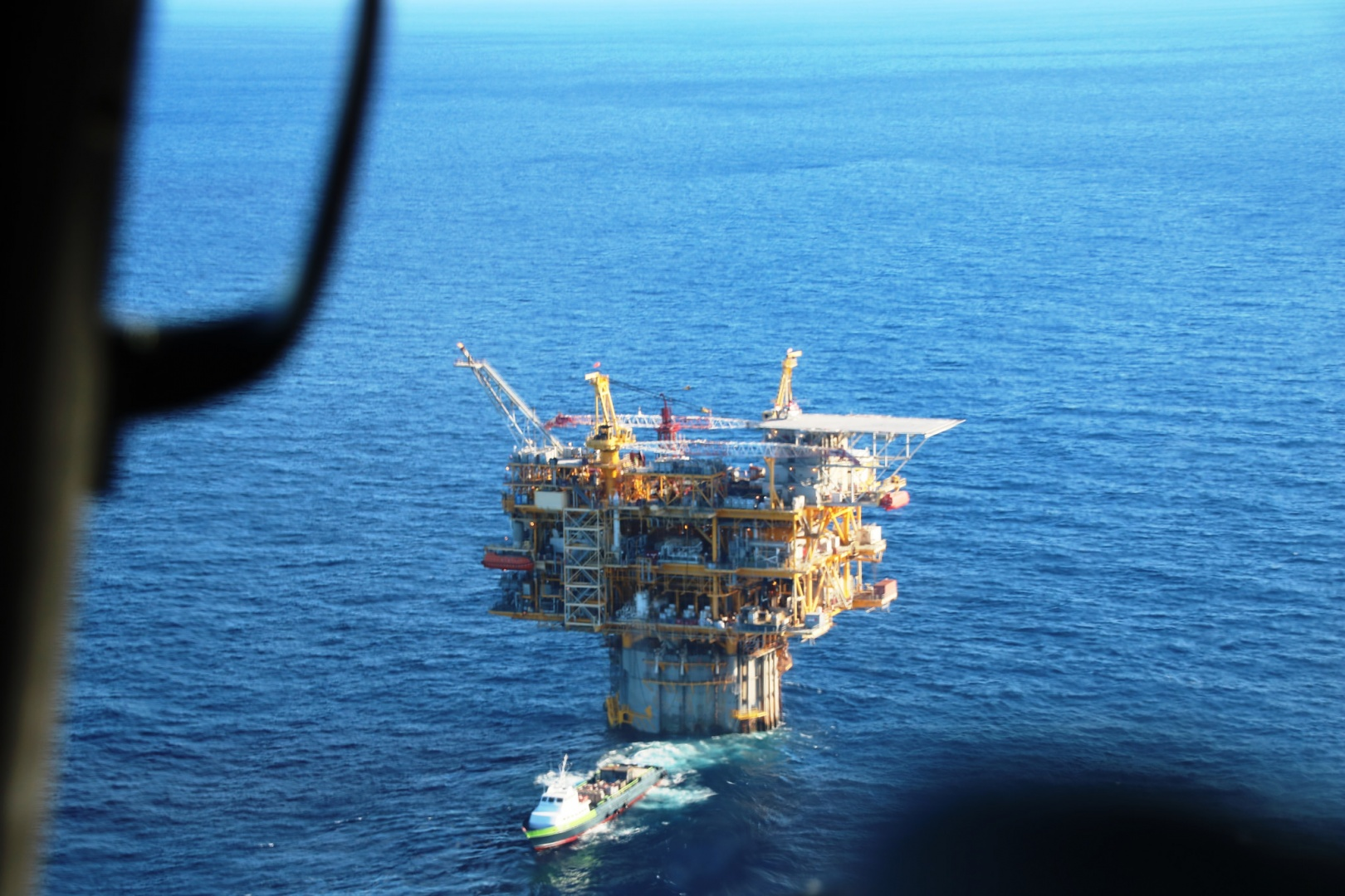 offshore oil and gas facilities Offshore oil and gas facilities - download as pdf file (pdf), text file (txt) or read online.