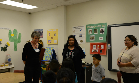 Secretary Jewell meets with Native American students in Arizona.