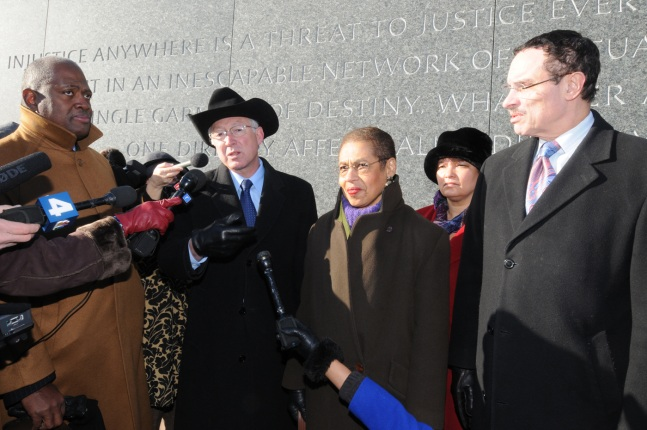 Secretary Salazar, Administrator Jackson, Mayor Gray , Congresswoman Norton and Harry E. Johnson Sr., President of the Martin Luther King, Jr. National Memorial Project Foundation pose for pictures.