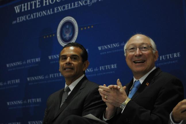 Interior Secretary Ken Salazar and Mayor Antonio Villariagosa at the White House Community Action Summit.