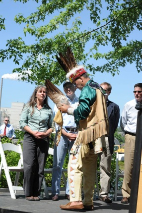 Secretary Salazar speaks with Chief Francis Chief, Penobscot Indian Nation.