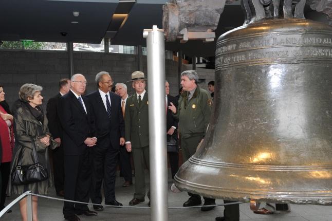 Secretary Salazar tours the Independence National Historical Park.