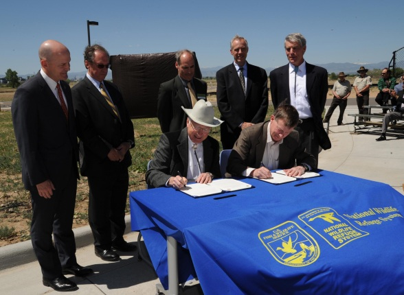 A general agreement signed today memorializes a partnership between the Secretary of the Interior and Governor of Colorado to promote and establish the Rocky Mountain Greenway.