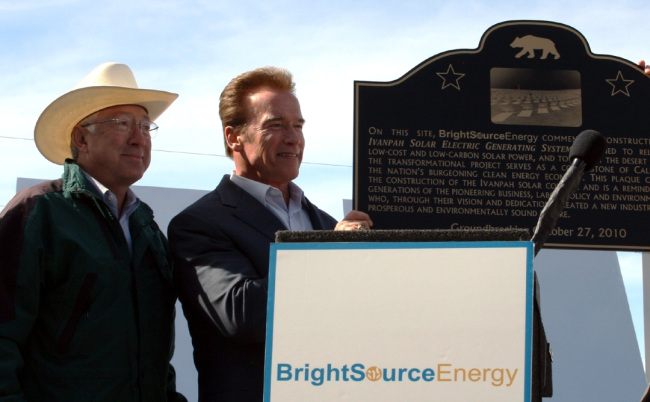 Secretary Salazar and Governor Schwarzenegger at podium.