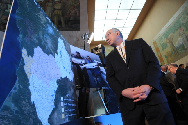 Secretary Salazar looks at a map of the Klamath River Basin.