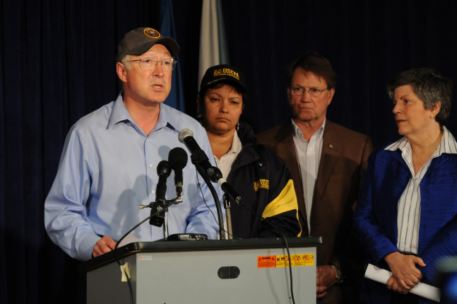 L-2-452x3Secretary Salazar announces a full review of offshore oil drilling safety at a press conference in Robert La. Also pictured are EPA Administrator Lisa Jackson, La. Congressman Charlie Melancon and Department of Homeland Security Secretary Janet N