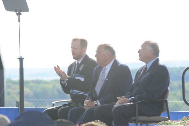 Left to right, Gordon Felt, President, Families of Flight 93, Pennsylvania Governor Edward Rendell and Secretary of the Interior Ken Salazar.