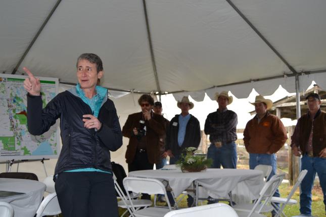 Secretary Jewell speaks before Durando ranch