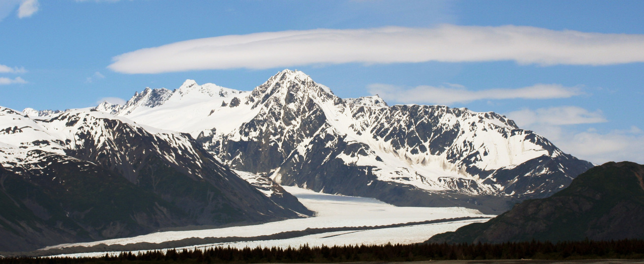 Scenic view of Alaskan mountain rage and glacier.