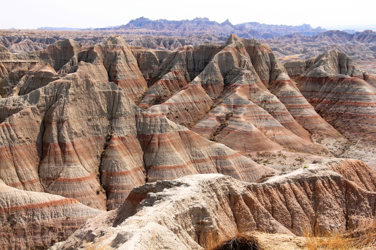 Red and grey cliffs in Badlands National Park