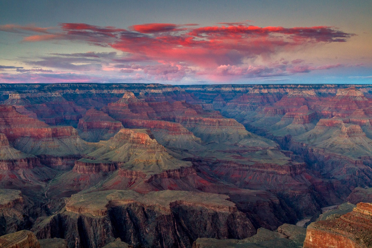Red and purple sunset at grand canyon